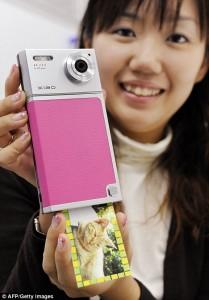TOMY Xiao™ TIP-521 Digital Camera com Built-in ZINK Printer