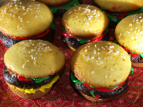 Cheeseburger doce by KateDW™ via Flickr