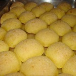 Pão de queijo assado