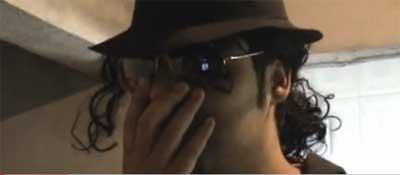 Jean Walker em um de seus vídeos.